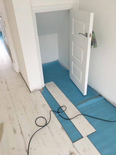 laminate flooring white fitting