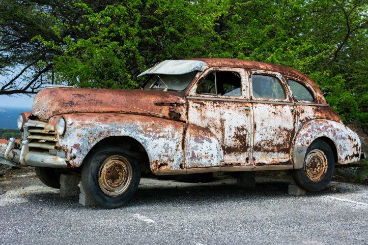 broken-car-old-2071
