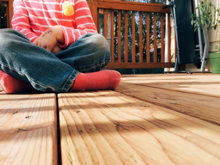 how to build A DECKING AREA