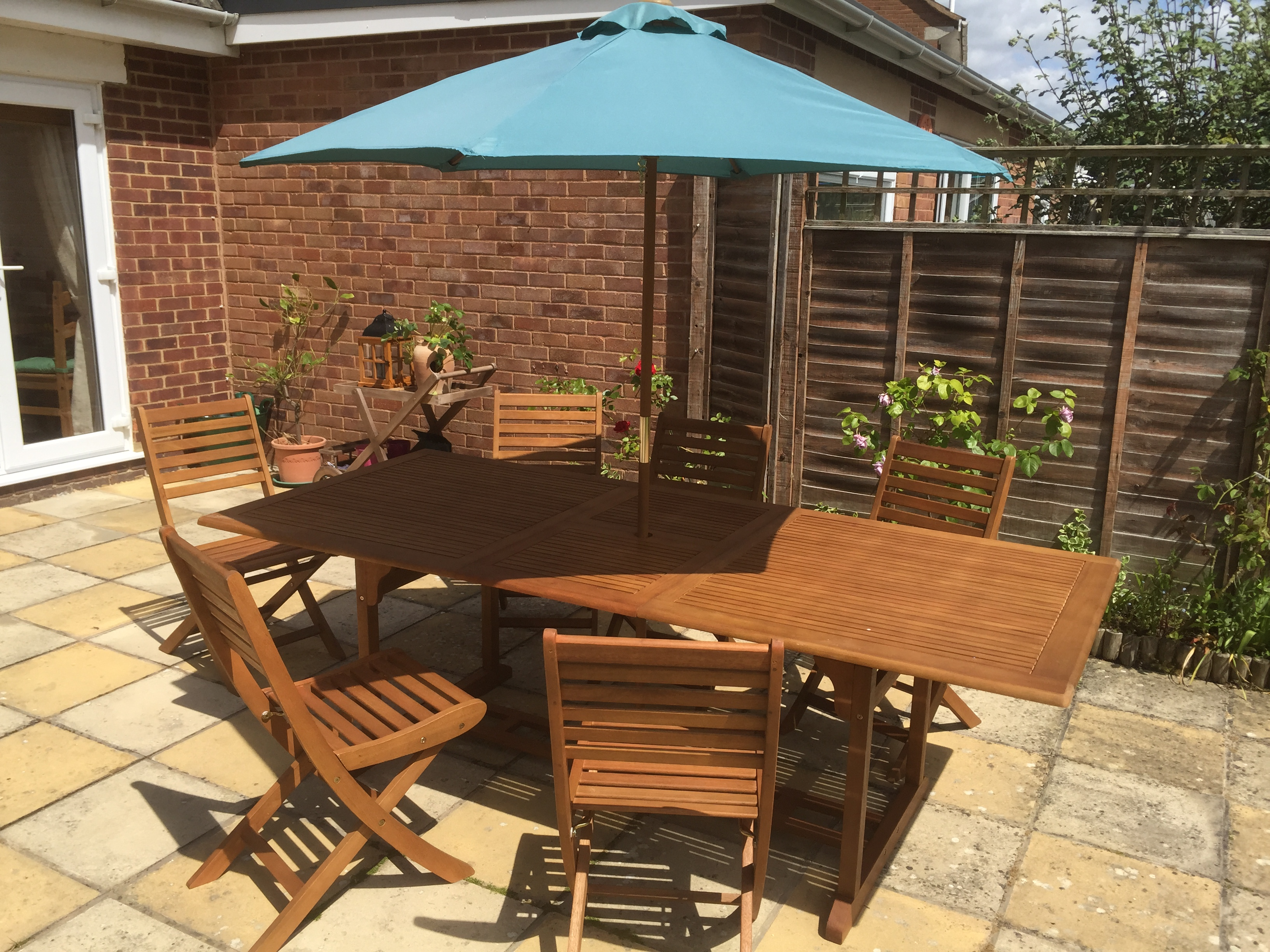 How to restore weathered wooden garden furniture – a simple guide